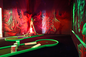 mini-golf itinérant interieur alu blacklight