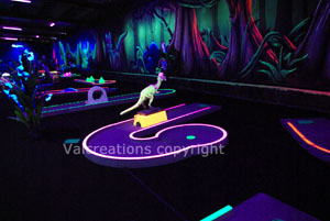 mini golf interieur blacklight