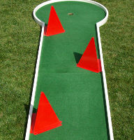 Obstacle mini golf: Pyramide